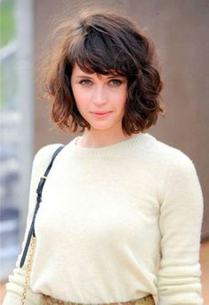 Short Wavy Hairstyles with Bangs
