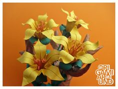 Trunk with Lilies - origami around