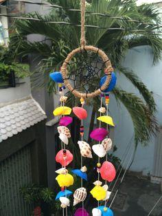 Dream CatcherSeashell dream catcher Natural by SukaShop on Etsy Diy Wool Felt, Seashell Wind Chimes, Seashell Crafts, Sea Shells, Dream Catcher, Decor Ideas, Natural, Handmade Gifts, Outdoor Decor