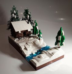 A cabin (or cottage) in the woods is the perfect escape for a little rest and relaxation. For a Minifig getaway try visiting Patrick Biggs' or Shaun Jordan's cabin. SoccerSocks' c…