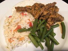 Gyros, romige rijst en sperziebonen zonder pakjes en zakjes Lunches And Dinners, Green Beans, Fries, Favorite Recipes, Beef, Treats, Chicken, Vegetables, Breakfast