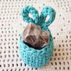 E esse verdinho lindo?! . To amando fazer esses cestinhos!!! ❤️ . #knshandmade #croche #crochet #handmade #crochetando #pascoa #chocolatecaseiro #paodemel #lembrancinha #moda #stylist #feitoamao #artesanato #handmadewithlove #artecomfiodemalha #fioecologico #fiodemalha #linhas #compredequemfaz #crochetart #crochetlover #crochetidea #trapilho #empreender #ilovecrochet #madewithlove #love #crocheting