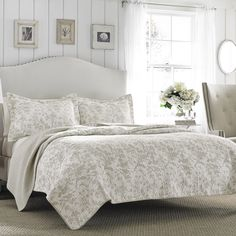 Laura Ashley Amberley Cotton Reversible Quilt Set by Laura Ashley Home Size: King Quilt + 2 Shams, Color: Off-White/Beige King Quilt Sets, Queen Quilt, King Quilts, Bed Quilts, Queen Bedding, Laura Ashley Amberley Quilt, Brompton, Laura Ashley Home, Twin Quilt
