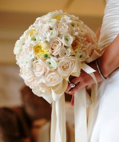 White roses bride bouquet. #wedding #flowers #yannidesignstudio