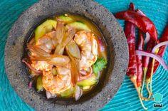 Camarones en aguachile rojo - ¡Originarios de Sinaloa! Snack Recipes, Healthy Recipes, Snacks, Shrimp, Seafood, Cabbage, Healthy Food, Recipies, Asian