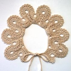 Vintage Crocheted Collar Pattern