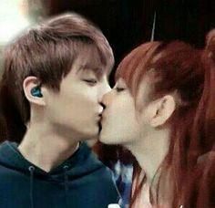 Blackpink's Lisa edition; Kpop Kiss, Bts Kiss, Kpop Couples, Cute Couples, Bts Jungkook, Bts Girlfriends, Parejas Goals Tumblr, 17 Kpop, Ariana Grande Gif