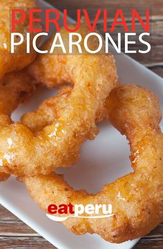 Here is a traditional Picarones recipe that's simple to make. The resulting Picarones will tempt you to devour them all. A tasty dessert/breakfast recipe. Peruvian Desserts, Peruvian Dishes, Peruvian Cuisine, Peruvian Recipes, Breakfast Dessert, Dessert For Dinner, Dinner Menu, Breakfast Ideas, Dessert Dishes
