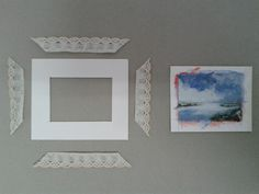 Instead of buying frames for the pictures in my Miniature House, I tried to make them with the materials I already have at home. In thi. Diy Doll Miniatures, Dollhouse Miniature Tutorials, Miniature Crafts, Haunted Dollhouse, Diy Dollhouse, Doll Furniture, Dollhouse Furniture, Doll House Crafts, Doll Crafts