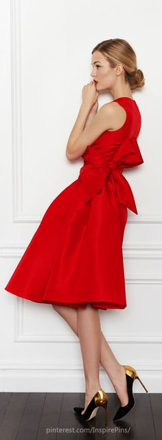 Wrap it in a bow, and add a touch of gold. (Carolina Herrera Pre-Fall 2013).