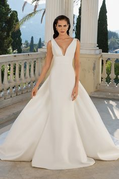 4deb5a4a77 Justin Alexander - Style 88071: Mikado Fit and Flare Dress with Detachable  Train Short Wedding