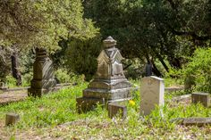 Local History, A 17, Cemetery, Paths, Fountain, Garden Sculpture, Restoration, The Past, Santa