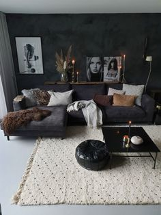 New living room design ideas for apartment interior design 08 Dark Living Rooms, Living Room Decor Cozy, Living Room Grey, Home Living Room, Apartment Living, Living Room Designs, Masculine Living Rooms, Black And White Living Room Ideas, Cool Living Room Ideas