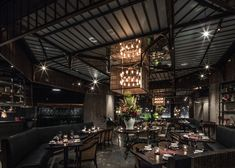 Hong Kong restaurant Mott 32 won World Interior of the Year at the annual Inside Festival, which concluded on October in Singapore. Designed by Joyce Wang, the restaurant occupies the basement of an important bank building in Hong Kong. Design Bar Restaurant, Industrial Restaurant, Industrial House, Cafe Restaurant, Industrial Bedroom, Industrial Wallpaper, Industrial Closet, Industrial Stairs, Restaurant Names