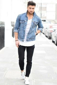A denim jacket is a classic and timeless piece of mens clothing. Here is a complete guide on how to wear a denim jacket. Denim Jacket Men Style, How To Wear Denim Jacket, Denim Man, Man Jeans, Men's Denim, Men's Jacket, Rugged Style, Mode Outfits, Fashion Outfits
