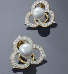 Designer Angela Cummings Open Petal Pearl and Diamond Earrings featuring Akoya cultured pearls and white diamonds set in yellow gold Pearl And Diamond Earrings, Pearl Jewelry, Fine Jewelry, South Sea Pearls, Cultured Pearls, Jewelry Design, Black Pearls, Brooch, Jewels