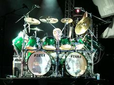 Simon Phillips. Awesome!!! #drum