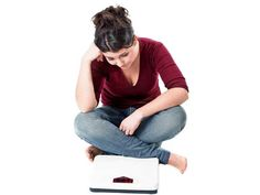 Recently your denims happen to be a bit tighter than they used to be and your belly looks flabbier too. Losing a few pounds would do you good; but how to go about it with you spending long hours at work and not finding enough time to exercise? Nutrionist, Dr Anjali Mukherjee gives you the answers.