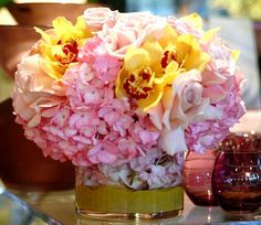 Pink And Yellow Flowers In Fl Arrangements Offer Charming Centerpiece Ideas