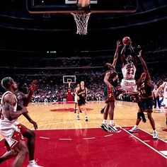 wholesale dealer c1fcf 8b327 Michael Jordan of the Chicago Bulls shoots a jump shot in the lane against  the Seattle Sonics during Game six of the 1996 NBA Finals at United Center  on ...