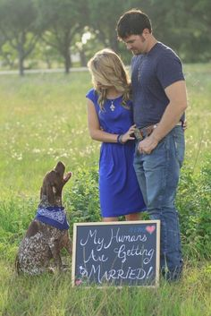 Enagement Photos with Pets / http://www.himisspuff.com/engagement-photos-with-pets-that-will-melt-your-heart/6/