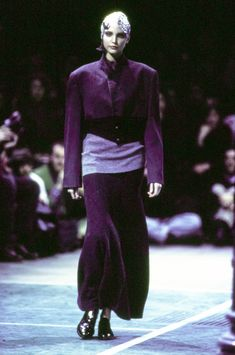 Comme des Garçons Fall 1993 Ready-to-Wear Fashion Show - Nadja Auermann