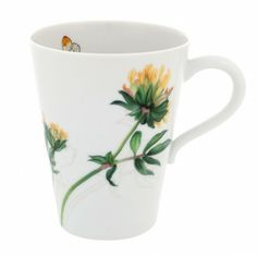 Prairie Mug | Inspired by spring and the beautiful prairies, this is a country collection for the city, with simple and colourful lines. New decoration where the zest and bold colours of the fields take us to the most beautiful prairies in the world. The floral motifs, combined with elements of nature, mark this collection, making it a line full of artistic details. #Mug #Vintage #Flower #Decor www.vintagemaya.com