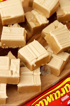 Based on the idea of a Classic, This Caramac Fudge is Much Easier to Make Than you Think – So Fudgey, Delicious, and Caramac-y! Fudge Recipes, Candy Recipes, Sweet Recipes, Baking Recipes, Dessert Recipes, Baking Ideas, Caramel Recipes, Easter Recipes, Healthy Recipes