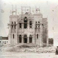 Sabugo construcción Notre Dame, Building, Travel, Antique Photos, Beach, Lugares, Viajes, Buildings, Traveling