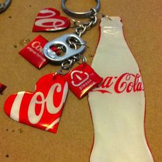 tin can key rings. Love this idea.