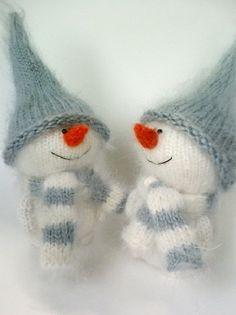 Cute Snowman hand-knitted toy - Amigurumi - Miniature Little Art Doll - Christmas Ornament - Natural wool toy - Handmade crochet toy