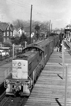 LIRR Alco S2 468 at Babylon, New York City in 1957.