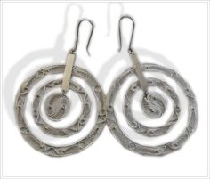 Handmade Paraguayan Filigree sterling silver hoops by www.larimoon.com