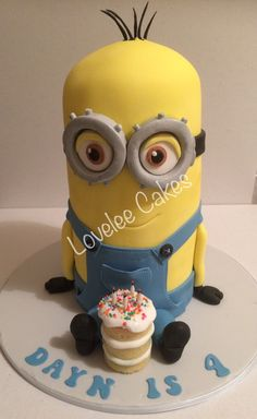 Kevin Minion Birthday cake based on Kevin from the Minions movie