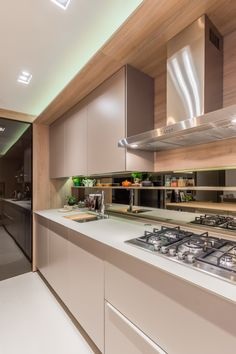 Discover recipes, home ideas, style inspiration and other ideas to try. Kitchen Room Design, Kitchen Cabinet Design, Modern Kitchen Design, Home Decor Kitchen, Interior Design Kitchen, Kitchen Furniture, Kitchen Cabinets, Parallel Kitchen Design, Kitchen Organisation