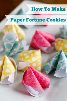 These cute DIY paper fortune cookies are super easy to make! Perfect for Chinese New Year, Valentine's Day, wedding favors, birthday parties & much more. New Year's Crafts, Cute Crafts, Holiday Crafts, Diy And Crafts, Arts And Crafts, Diy Paper Crafts, Paper Crafting, How To Make Paper, Diy Gifts
