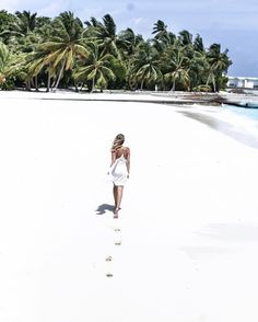 There are a few destinations on my bucket list which are dream destinations which seem to be out of reach. One of these destinations are the M a l d i v e s. Summer Beach, Summer Vibes, Ohh Couture, Maldives Travel, Destinations, To Infinity And Beyond, Am Meer, Poses, Strand
