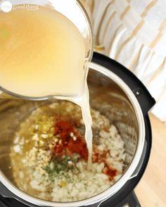 White Chicken, White Bean Chicken Chili, Instapot Beans, White Chili, Oregano Chicken, Power Pressure Cooker, Instant Pot Pressure Cooker, Pressure Pot, Lamb Recipes