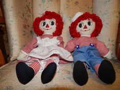 "15"" Raggedy and Andy set  Red and white by CharlottesRagdolls/Etsy. Love their eyes!"