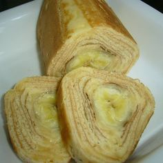 I attempted so many times to make baumkuchen at home by referring to internet recipes. Then, I found I could make a delicious cake using banana for the centre and ate it all! I didn't want to tell anybody this recipe...