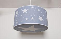 Lámpara de techo habitación infantil con estrellas azul.www.childrenandhome.es #lampara-infantil-estrellas #lampara-bebe #childrenandhome #decoracion #bebe #infantil #hearts #corazon #estrella #nube