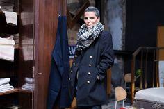 #monile #fripe #surplusmilitaire #fashion @laciterneshop A La Citerne ... de jolies choses pour les filles ... militaires ... mais pas que !! Veste bleu marine >>> 75 euros Photo by Maëlle Bernard - Photographe - Quimper & sa région