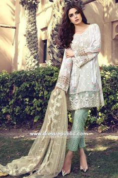 Maria B Lawn 2017 Price in Pakistan famous brand online shopping, luxury embroidered suit now in buy online & shipping wide nation. Pakistani Lawn Suits, Pakistani Party Wear, Pakistani Couture, Pakistani Dress Design, Pakistani Bridal, Pakistani Designers, Anarkali Suits, Pakistani Dresses Online, Pakistani Outfits
