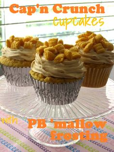 capn crunch cupcakes with peanut butter mallow frosting