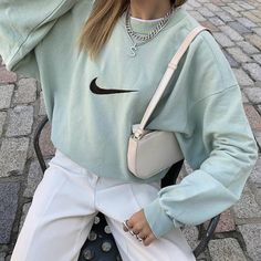 Outfits 90s, Sneakers Fashion Outfits, Style Outfits, Trendy Outfits, Indie Outfits, Fashion Shoes, Girl Outfits, Fashion Dresses, Fashion Jewelry