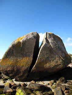 Split Boulder Split Boulder, Mull, Scotland