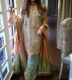 Playing dress up today ✨ duppatta Dulhan Dress, Walima Dress, Shadi Dresses, Pakistani Formal Dresses, Pakistani Wedding Outfits, Pakistani Dress Design, Indian Dresses, Pakistani Clothing, Bridal Mehndi Dresses