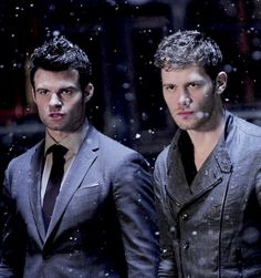 Find images and videos about The Originals, klaus and joseph morgan on We Heart It - the app to get lost in what you love. Klaus From Vampire Diaries, Vampire Diaries Poster, Vampire Diaries Wallpaper, Vampire Diaries The Originals, Joseph Morgan, Elijah The Originals, Originals Cast, The Vampires Diaries, Vampire Series