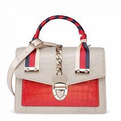 Designer Alligator Skin Shoulder Handbags Crossbody Bags with Gold Hardware-Beige Unique Handbags, Fall Handbags, Popular Handbags, Hermes Handbags, Handbags On Sale, Purses And Handbags, Bvlgari Handbags, Ladies Handbags, Soft Leather Handbags
