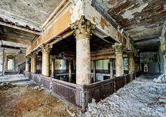 deserted-hotels-zupi13